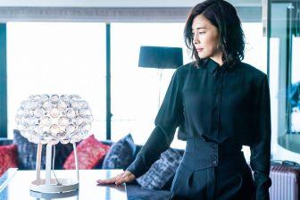 【スキャンダル専門弁護士QUEEN】の竹内結子。凛々しいハイセンスファッションも魅力的!